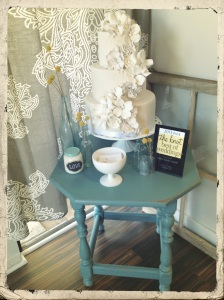 I love the shabby chic style, so pretty and clean